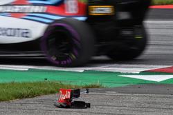 Detriti dell'ala anteriore di Brendon Hartley, Scuderia Toro Rosso STR13