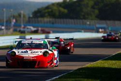 #58 Wright Motorsports Porsche 911 GT3 R, GTD: Patrick Long, Christina Nielsen, Robert Renauer