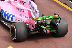 Esteban Ocon, Force India VJM11 rear wing with aero paint