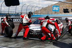 Erik Jones, Joe Gibbs Racing, Toyota Camry Sport, Clips pit stop