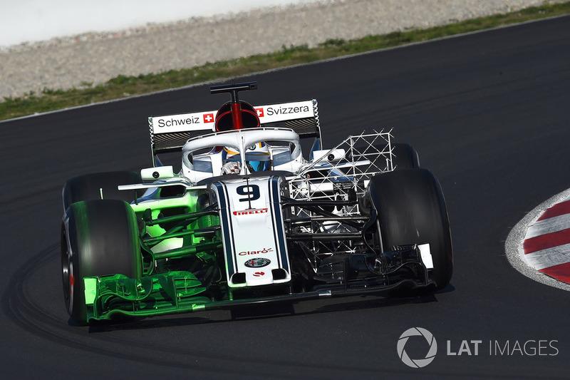 Marcus Ericsson, Alfa Romeo Sauber C37, con parafina y parrilla aerodinámica