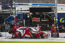 Christopher Bell, Joe Gibbs Racing, Ruud Toyota Camry, pit stop