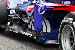 Scuderia Toro Rosso STR13 barge board detail