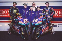 Jakub Kornfeil, PruestlGP, Marco Bezzecchi, PruestlGP, Florian Prustel, PruestlGP con el equipo