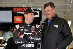 Kyle Busch, Kyle Busch Motorsports, Toyota Tundra Cessna, Michael Waltrip