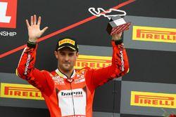 Podium: Xavi Fores, Barni Racing Team