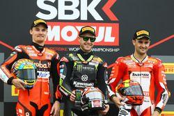 Podium: tweede plaats Chaz Davies, Aruba.it Racing-Ducati SBK Team, Racewinnaar Jonathan Rea, Kawasa