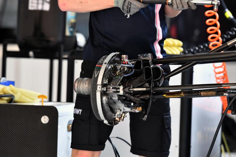 Force India VJM11 wheel hub detail