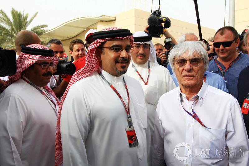 Príncipe heredero Shaikh Salman bin Isa Hamad Al Khalifa y Bernie Ecclestone, CEO de Formula One Gro