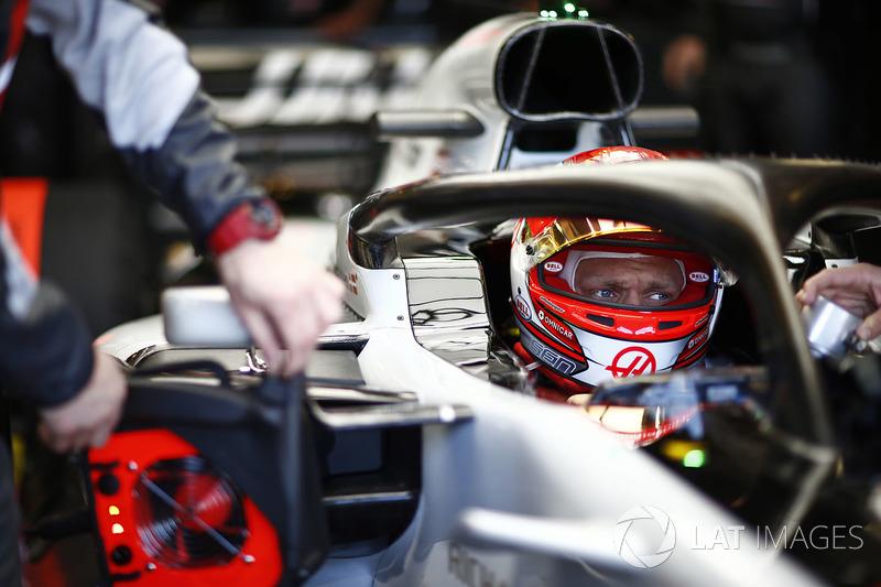 Kevin Magnussen, Haas F1 Team, en su cabina