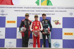 Podio Rookie gara 3: il secondo classificato Petr Ptacek, Bhaitech, il vincitore Gianluca Petecof, Prema Theodore Racing, il terzo classificato Umberto Laganella, Cram Motorsport