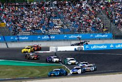 Gary Paffett Mercedes-AMG Team HWA, Mercedes-AMG C63 DTM leads