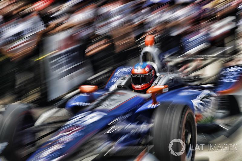 "23. <img src=""https://cdn-7.motorsport.com/static/img/cfp/0/0/0/200/227/s3/united_kingdom-2.jpg"" alt="""" width=""20"" height=""12"" />Стефан Уилсон, Andretti Autosport Honda"