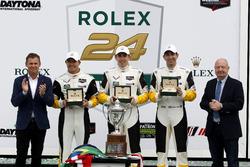 Победители в классе GTLM: Оливер Гэвин, Томми Милнер и Марсель Фесслер, #4 Corvette Racing Chevrolet