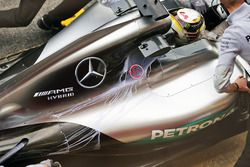 Lewis Hamilton, Mercedes AMG F1 W07 Hybrid, con la vernice
