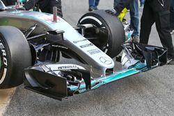 L'aileron avant de Lewis Hamilton, Mercedes AMG F1 Team W07