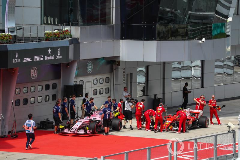 Sahara Force India VJM10 and Ferrari SF70H