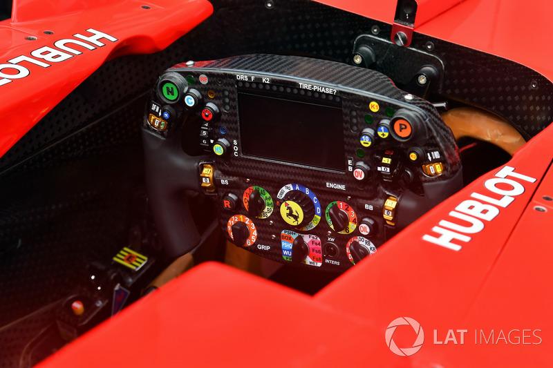 Ferrari SF70H direksiyon