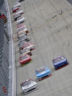 Tyler Reddick, Chip Ganassi Racing Chevrolet, Daniel Hemric, Richard Childress Racing Chevrolet, Ell