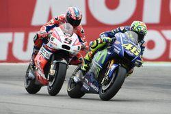 Valentino Rossi, Yamaha Factory Racing; Danilo Petrucci, Pramac Racing
