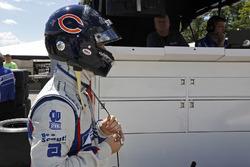 Ed Jones, Dale Coyne Racing Honda con el casco tributo a Walter Payton
