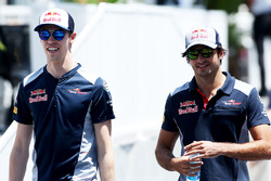Daniil Kvyat, Scuderia Toro Rosso. and Carlos Sainz Jr., Scuderia Toro Rosso