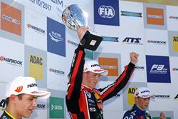 Podium: ganador, Joel Eriksson, Motopark Dallara F317 - Volkswagen