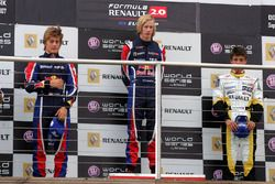 Podio: ganador de la carrera Brendon Hartley, Epsilon Red Bull Team, segundo lugar Stefano Coletti,