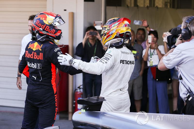 2. Max Verstappen, Red Bull, ve Yarış galibi Lewis Hamilton, Mercedes AMG F1, Parc Ferme