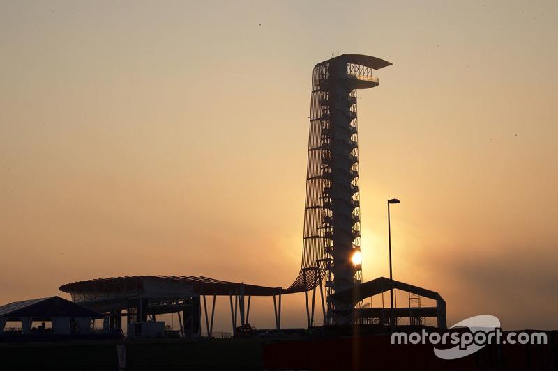 75 метров – высота смотровой башни в центре автодрома