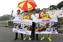 シリーズチャンピオンを獲得した高星明誠(B-MAX RACING TEAM WITH NDDP)