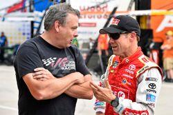 Matt Kenseth, Joe Gibbs Racing, Toyota, mit Todd Berrier, Richard Childress Racing