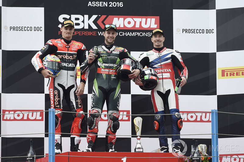 Podium : le vainqueur Jonathan Rea, Kawasaki Racing, le deuxième Chaz Davies, Ducati Team, le troisième Nicky Hayden, Honda World Superbike Team