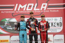 Podio Rookie Gara 1: il primo classificato Leonardo Lorandi, Baithech, il secondo classificato Giorgio Carrara, Jenzer Motorsport, il terzo classificato Felipe Branquinho, DR Formula