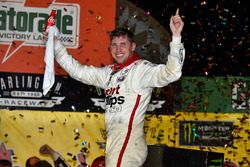 Race winner Denny Hamlin, Joe Gibbs Racing Toyota