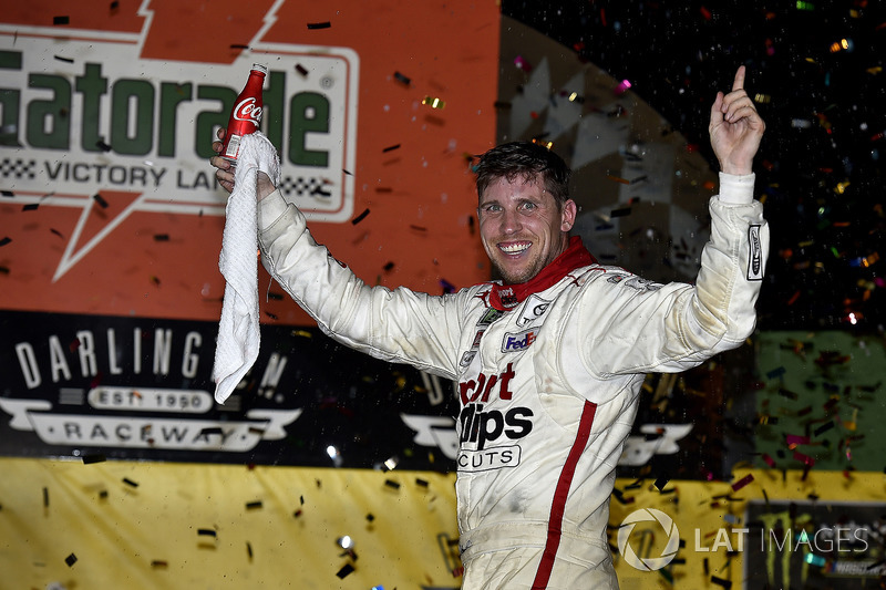 Darlington (South Carolina): Denny Hamlin (Gibbs-Toyota) *