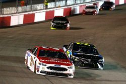 Ryan Blaney, Wood Brothers Racing Ford, Erik Jones, Furniture Row Racing Toyota