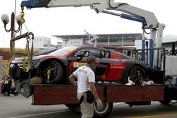 El auto de Laurens Vanthoor, Audi Sport Team WRT Audi R8 LMS, después del accidente