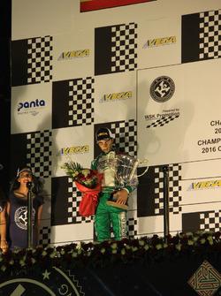 David Vidales en el podio de Bahréin