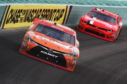 Даниэль Суарес, Joe Gibbs Racing Toyota и Джастин Алгайер, JR Motorsports Chevrolet