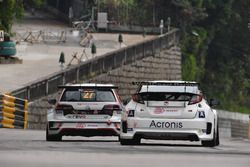 William O'Brien, TeamWork Motorsport, Volkswagen Golf GTI TCR; Mikhail Grachev, WestCoast Racing Honda Civic TCR