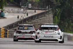 William O'Brien, TeamWork Motorsport, Volkswagen Golf GTI TCR; Mikhail Grachev, WestCoast Racing Hon