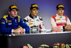 Persconferentie: winnaar Nobuharu Matsushita, ART Grand Prix, tweede Oliver Rowland, DAMS, derde Nyc