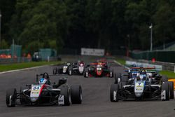 Jake Hughes, Hitech Grand Prix, Dallara F317 - Mercedes-Benz, Ralf Aron, Hitech Grand Prix, Dallara