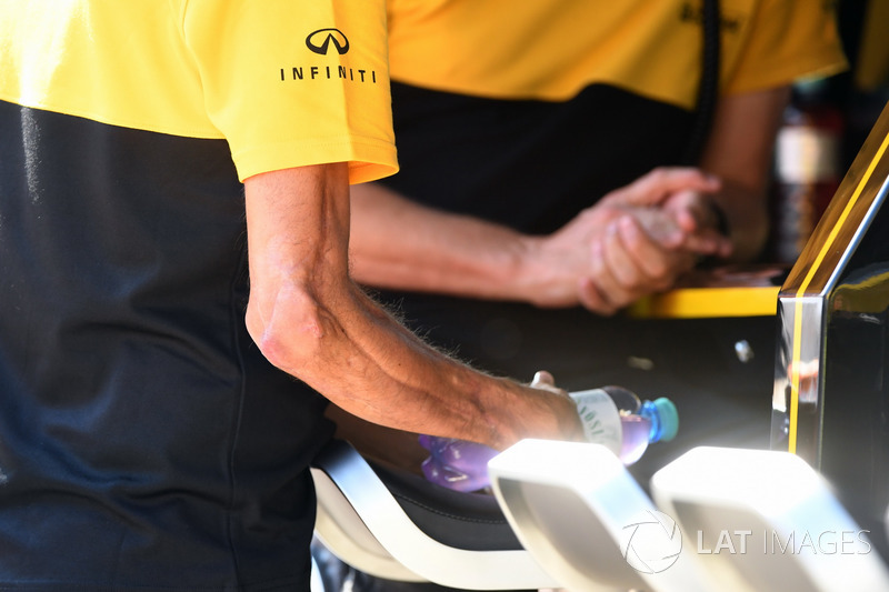 Роберт Кубіца, Renault Sport F1 Team, пошкоджена рука