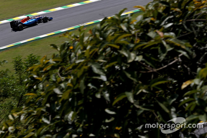 Pascal Wehrlein (GER) Manor Racing  11.11.2016. Formula 1 World Championship, Rd 20, Brazilian Grand Prix, Sao Paulo, Brazil, Practice Day. - www.xpbimages.com, EMail: requests@xpbimages.com - copy of publication required for printed pictures. Every used picture is fee-liable. © Copyright: Charniaux / XPB Images