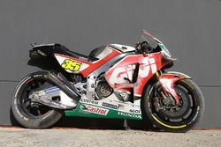 Bike of Cal Crutchlow, Team LCR Honda after his crash