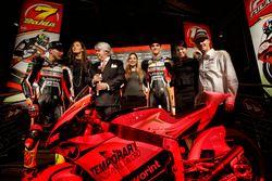 Giovanni Cuzari avec Luca Marini, Lorenzo Baldassarri et Federico Fuligni, Forward Racing