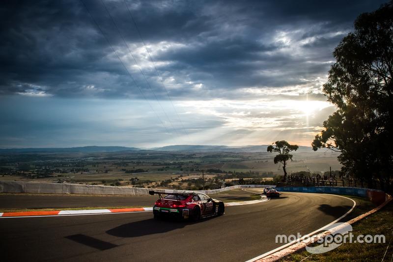 №7 BMW Team SRM, BMW M6 GT3: Тони Лонгерст, Марк Скайфе, Расселл Инголл, Тимо Глок