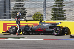 Romain Grosjean, Haas F1 Team, gets out of his car after a collision, Jolyon Palmer, Renault Sport F